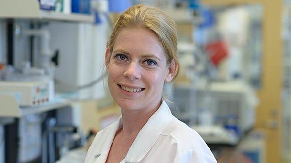 Dr. Caroline Lindemans
